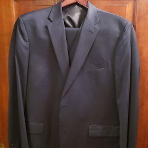 Jones New York Collection 100% Wool suit 46L